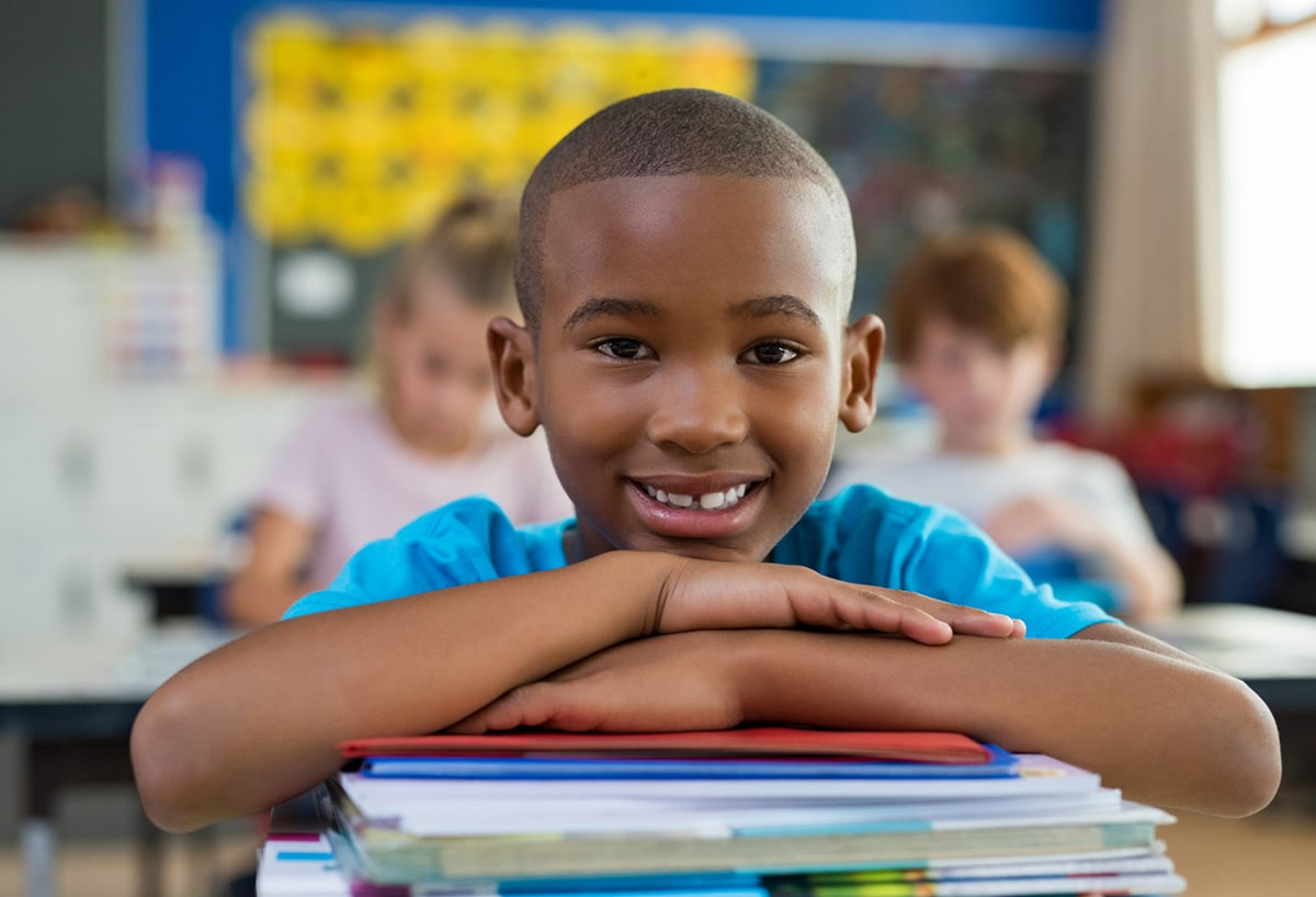 portrait d'enfant à l'école