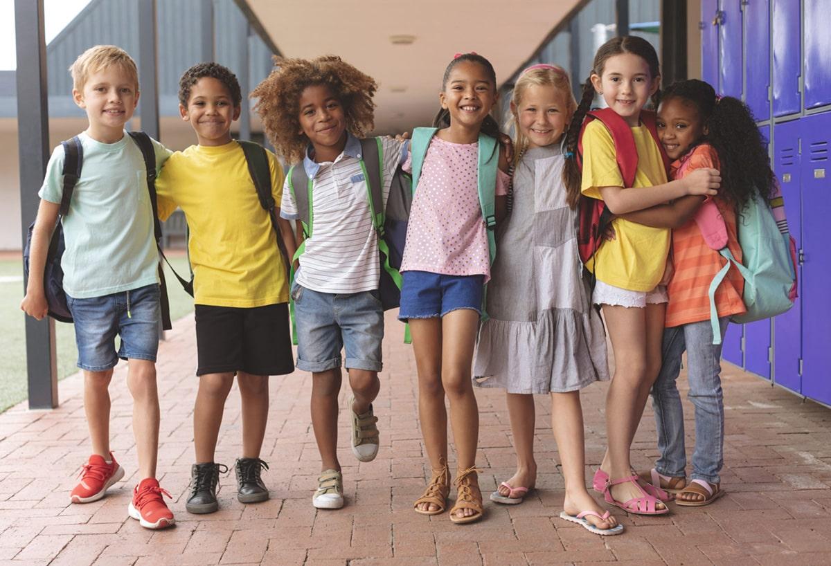 école,enfants,debout,dans,couloir